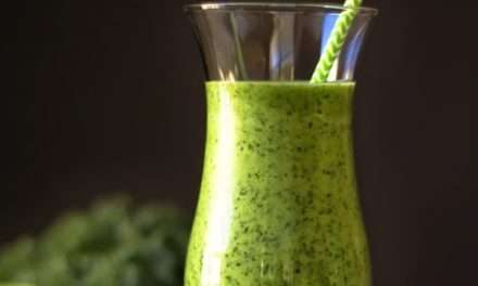 [RECIPE] Nutritious & Delicious Breakfast – Green Kale Smoothie