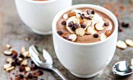 [Recipe] Chocolate Banana Almond Chia Smoothie