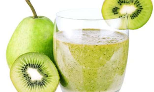 [Recipe] Pear Ginger Coconut Meal-Replacement Smoothie
