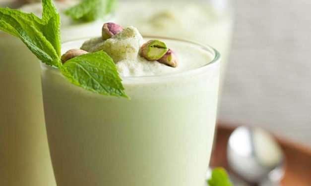 [Recipe] Summer Mint Coconut Pistachio Smoothie