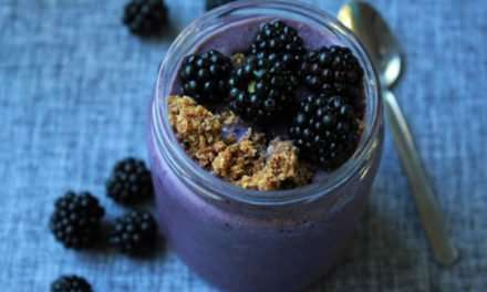 [Recipe] Creamed Blackberry Crumble Smoothie from 140 Calories