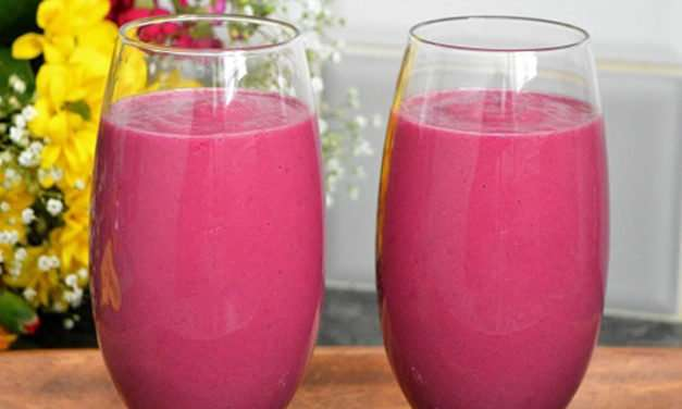 [Recipe] Vibrant Pink Vitamin-C-Rich Green Smoothie